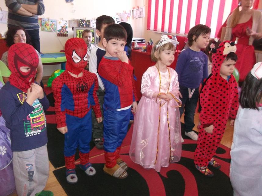 copii gradinita bucuria copiilor