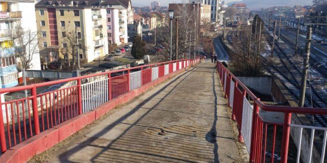 Veste bună!  Se redeschide pasarela pietonală din zona Gării CFR
